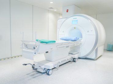 ความแตกต่างของ MRI 1.5 vs 3 Tesla